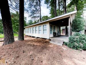 Lake Allatoona Cabin - ABSOLUTE AUCTION