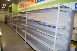 GONDOLA SHELVING 48'' X 85'' ONE SIDED (12 SECTIONS)(3)48''X 133''