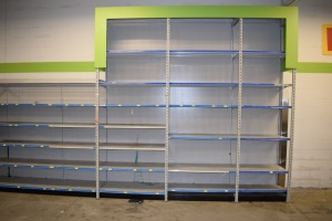 GONDOLA SHELVING 48'' X 85'' ONE SIDED (5 SECTIONS) (3 SECTIONS 48'' X 133''