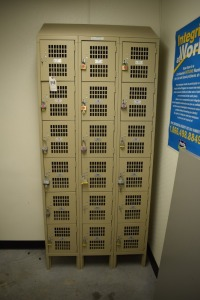 18 Door LOCKER 12x12x12