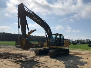 John Deere 200DLC Excavator with hydraulic thumb, 4,437hrs, Serial: FF200D2X0511567