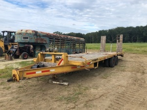 28' Flatbed Hooper Trailer with 12,000 LBS Bandland Wench, Serial: 1H9GN282V10470408