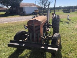 Massey Ferguson 35, Serial: 250746, Tractor Has Been Sitting Engine Will Run, Fuel Lines Are Clogged & Clutch Is Stuck