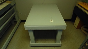 Wood Table 48 In X 32 In X 41 In