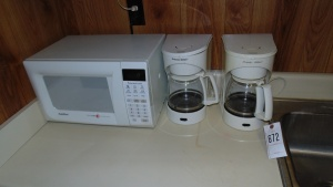 Goldstar Microwave, 2 Proctor Silex Coffee Pots, Crock Pot And Toaster