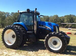 New Holland TG-210, MFWD, 6,195 Hrs. (engine recently re-built), Rear Duals, Serial: JAW126239